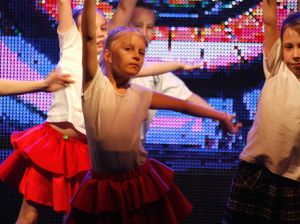 Dzieci pokazały taniec, stroje i ekspresję sceniczną