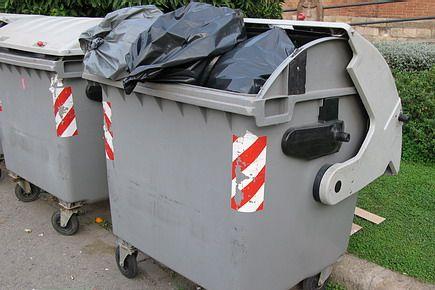 Wyrzuć śmieci przed Nowym Rokiem