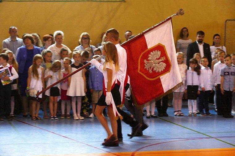 Wyróżnienia za naukę, konkursy i sport w piskiej Jedynce