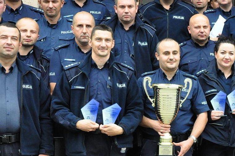 Dzielnicowy z Pisza drugi w województwie - kolejny sukces pana Tomasza